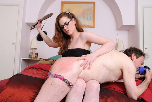 Spanking femdom mistress